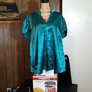 Lane Bryant 26/28 Silky dress blouse